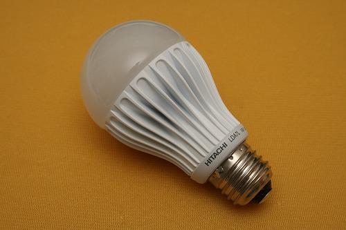 地味な存在だが色が良い日立のLED電球。